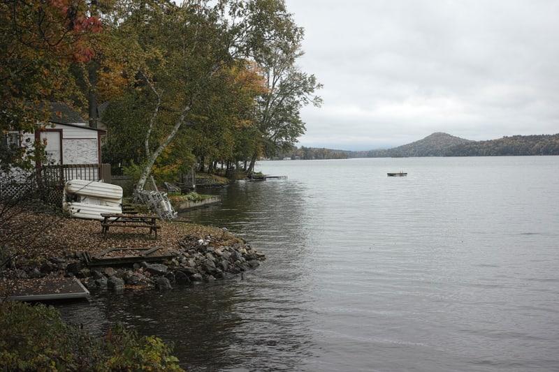 Cabins around Lake Dunmore